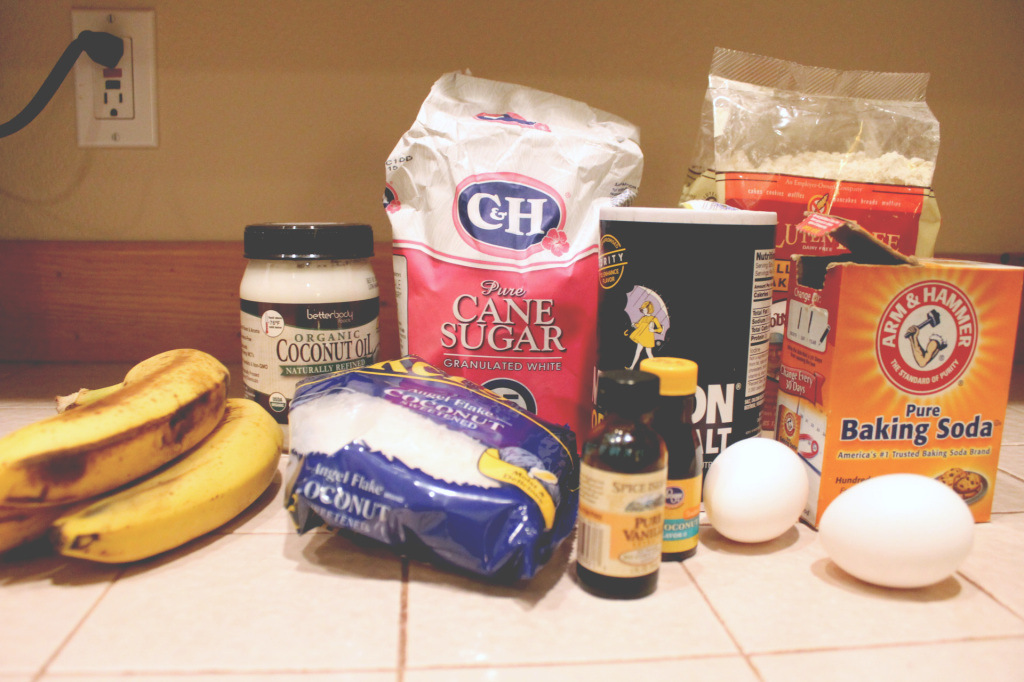 gluten/dairy free coconut banana bread // stephanieorefice.net